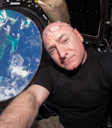 Hoe ruikt 'n ruimtestation? Naar nieuwe auto en afval