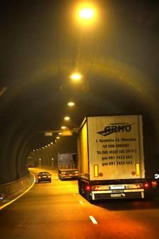 Voorzieningen versneld weg uit Zeeuws-Vlaanderen door Westerscheldetunnel