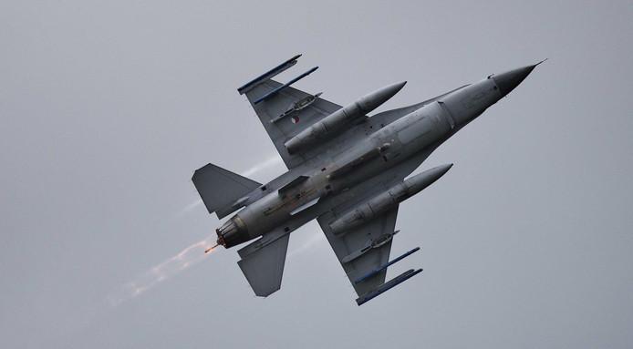 F-16 vliegers bombardeerden in Irak en Syrië een woonhuis dat werd aangezien voor een IS-hoofdkwartier.