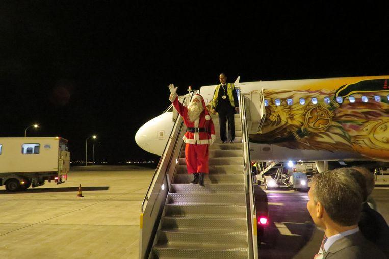 Koen Hallaert speelt kerstman in Egypte.
