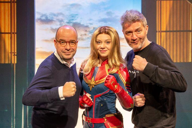 Sven Ornelis en Kürt Rogiers op de foto met Captain Marvel.