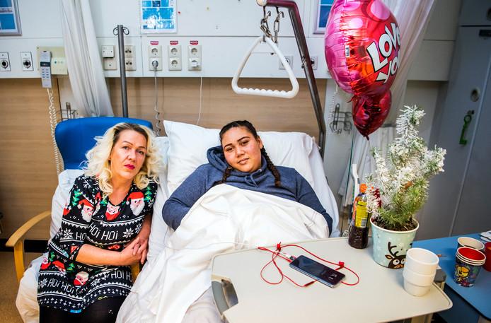 Automobilist laat shenara 20 gewond op straat achter na for Kerstbrunch rotterdam