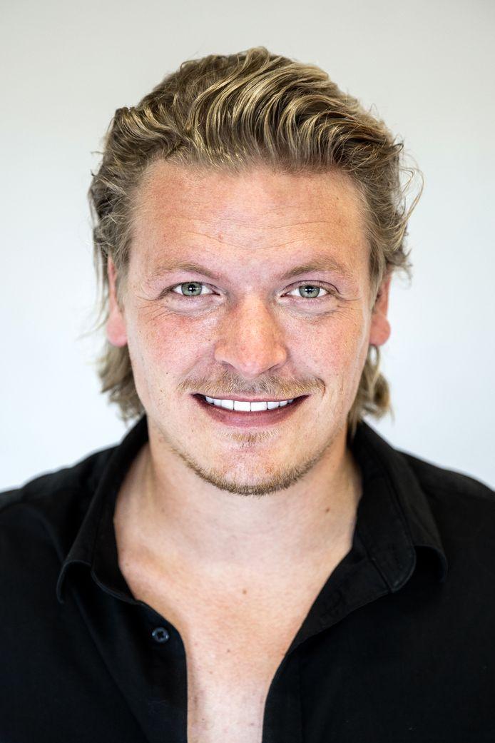 Zanger Thomas Berge (Chiel Ottink) in zijn woonplaats Alphen aan de Rijn. Hij laat ons 6 leuke plekken zien voor de rubriek.