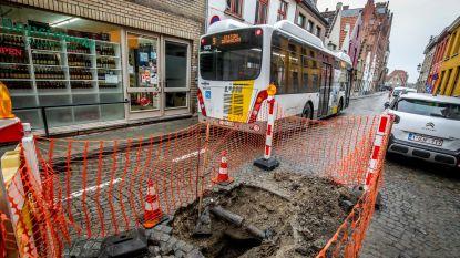 """Zinkgat in Sint-Jorisstraat: """"Niet door bussen"""""""