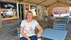 """Populaire uitbaatster Eliane (65) opent nieuwe kroeg in volle coronacrisis: """"Ik kan niet zonder mensen, dus ook niet zonder café"""""""
