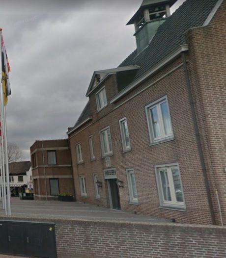 Raad Someren vergadert weer in gemeentehuis