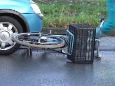 Twee fietsers vlak na elkaar aangereden op dezelfde rotonde in Deventer