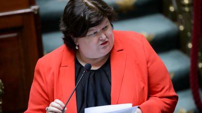"""Maggie De Block: """"Zorgverleners mogen geen coronasupplement doorrekenen aan patiënten"""""""