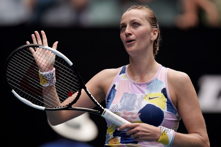epa08165283 Petra Kvitova of the Czech Republic celebrates winning the fourth round match against Maria Sakkari of Greece at the Australian Open tennis tournament at Melbourne Park in Melbourne, Australia, 26 January 2020.  EPA/DAVE HUNT AUSTRALIA AND NEW ZEALAND OUT  EDITORIAL USE ONLY