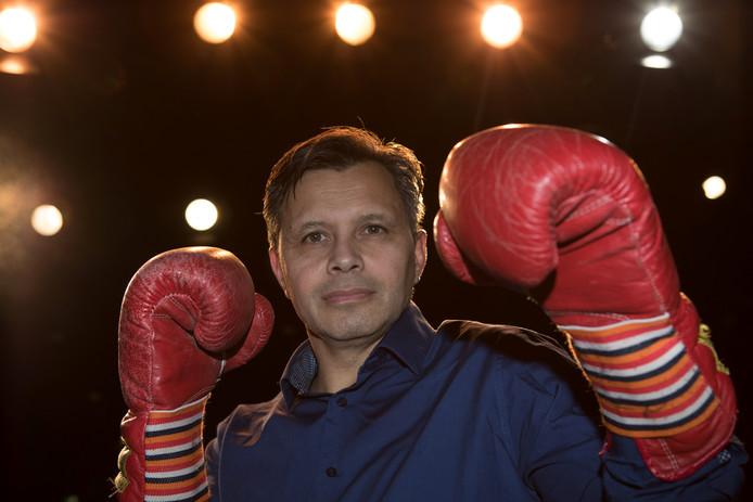 Eric Milton, tenor en bokser