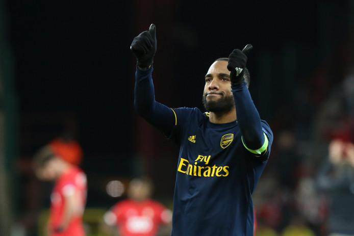 Lacazette a réveillé Arsenal, le Standard paye la note.