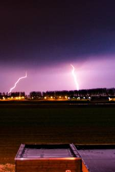 'Pittige onweersbuien' trekken over Nederland