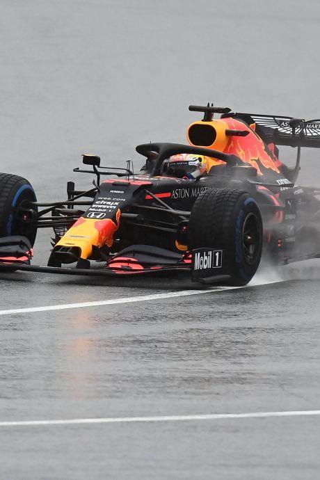 Verstappen tweede in kletsnatte kwalificatie GP Stiermarken, pole voor Hamilton
