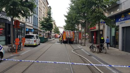 Drukke Nationalestraat  in Antwerpen opnieuw vrij na isolatiebrand
