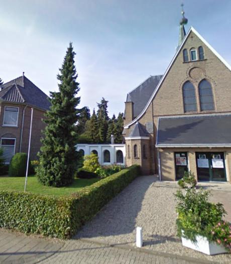Kerk en pastorie Stokkum mogelijk naar stichting