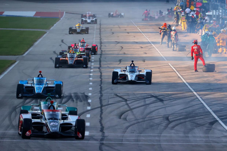 De Indycar-race op de Texas Motor Speedway in Fort Worth.