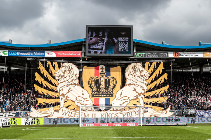 Het spandoek van de Tilburg Tifosi tijdens de wedstrijd Willem II - Go Ahead Eagles in 2017.