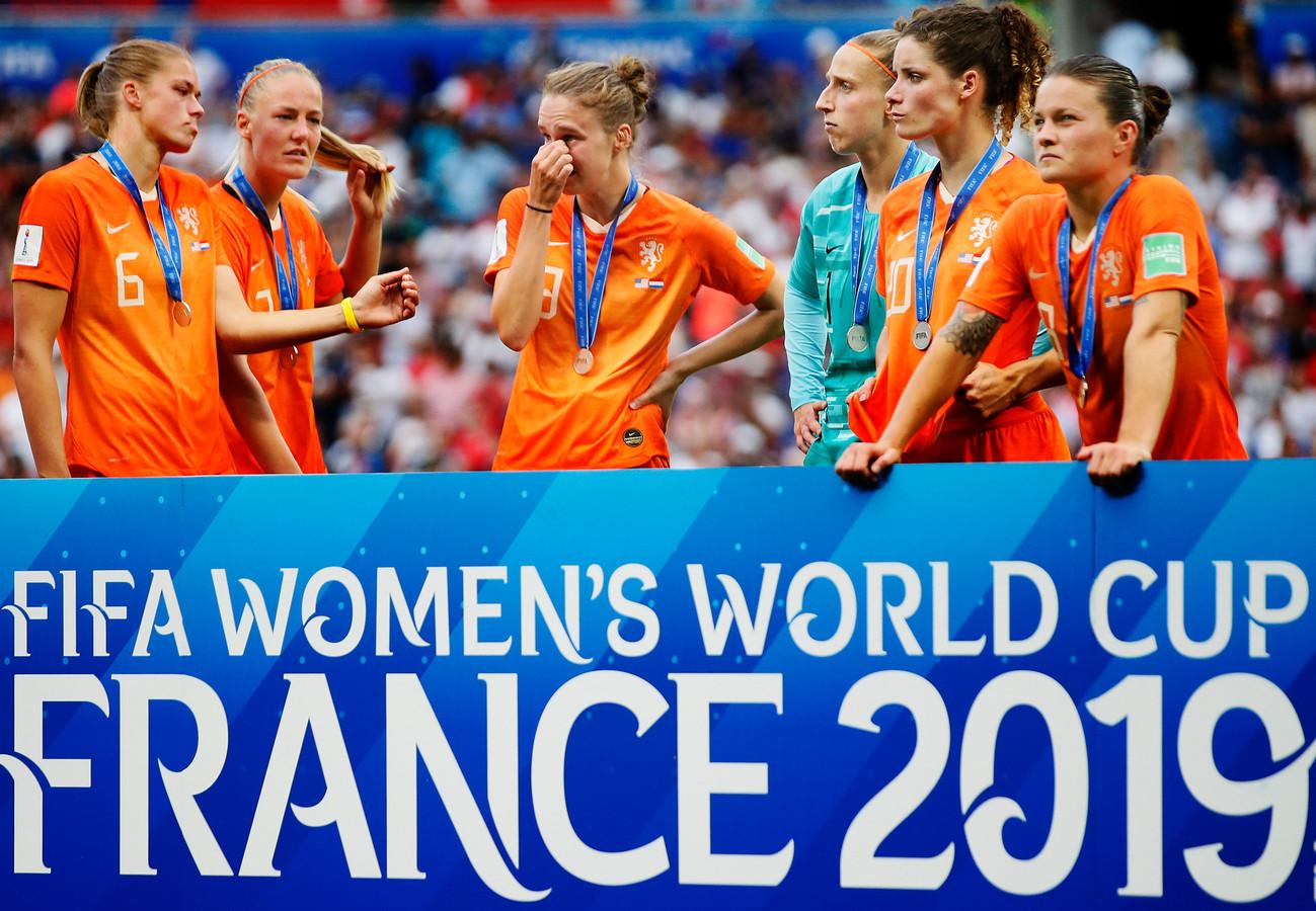Verdriet bij de speelsters van Oranje na de verloren WK-finale.