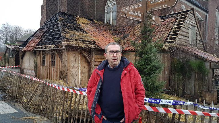 Frans Van Gils voor de kerststal.