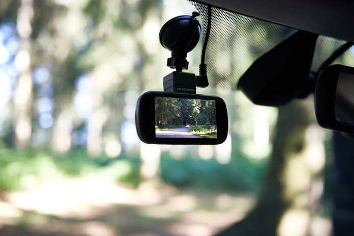 Een dashcam is tegenwoordig een veel verkocht auto-accessoire