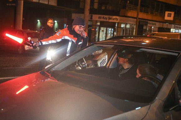 In Izegem en Roeselare hield de politie op Kerstdag alcoholcontroles.