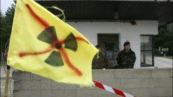 Leden Europees parlement blokkeren landingsbaan Kleine Brogel: zestien personen opgepakt