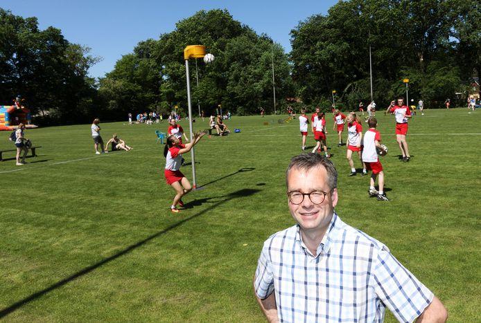 Voorzitter Wim Jansen van korfbalvereniging Rood Wit in Wezep (archieffoto).