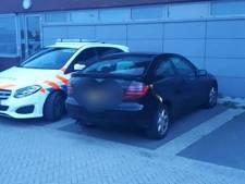 Politie haalt rammelbak uit het verkeer in Waalwijk