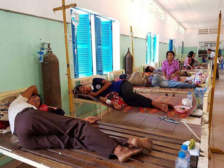 Veel mensen werden opgenomen in het ziekenhuis nadat ze van de bezoedelde rijstwijn hadden gedronken.