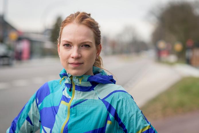 Emma van Geel komt in actie tegen de serie-aanrander in Enschede en Hengelo