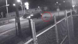 Amerikaanse rijdt man aan, gaat twee keer kijken naar slachtoffer en vlucht dan weg