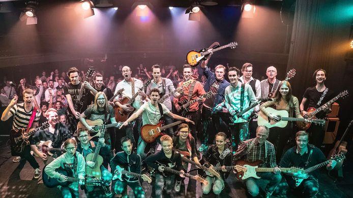 De gitaarleerlingen tijdens een eerdere editie van Op Hoop Van Zegen.