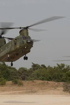 Helikopters blijven oefenen op Beekhuizerzand bij Harderwijk
