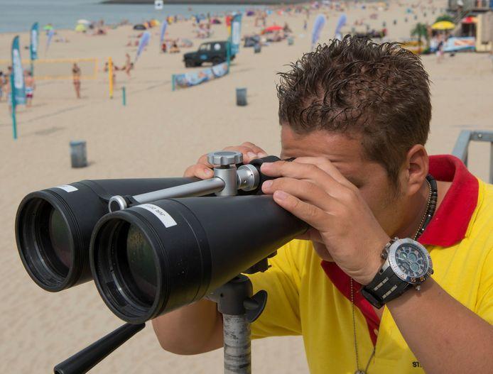 Een strandwacht op het Zeeuwse eiland Walcheren.