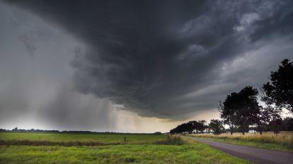 KMI kondigt code oranje af voor onweer: speciaal noodnummer 1722 actief vanaf 12 uur