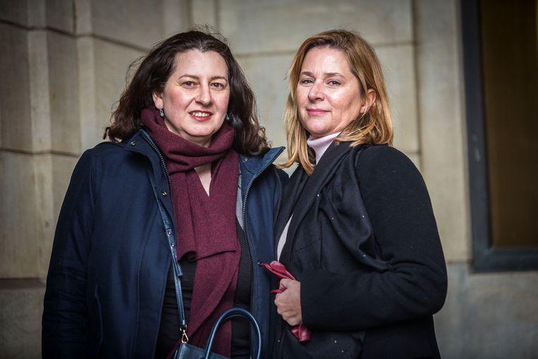 Barbara Polychronakis (46) en Vera Zuijdam (52)  Beeld Arie Kievit