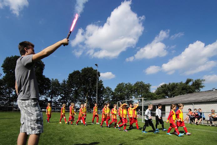 In juni presenteerden de jeugdelftallen van Megen en Haren zich in fusieshirt.