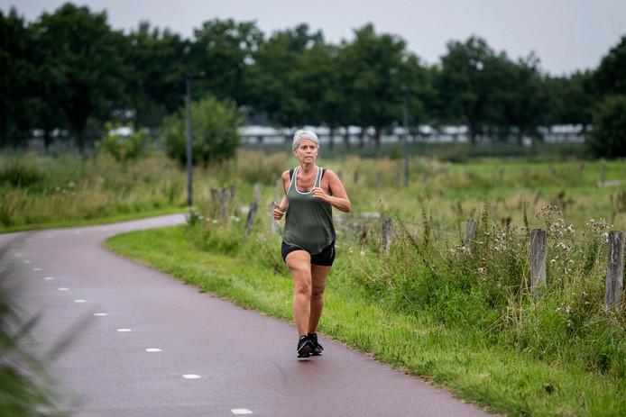 Mireille Hendriks uit Helmond volgt een speciaal trainingsprogramma voor q koorts patienten.