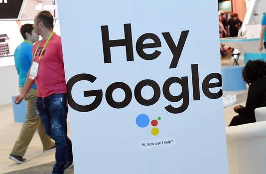 Google promoot op de CES zijn digitale helper. De Google Assistant kan worden opgeroepen door 'Hey Google' te roepen.