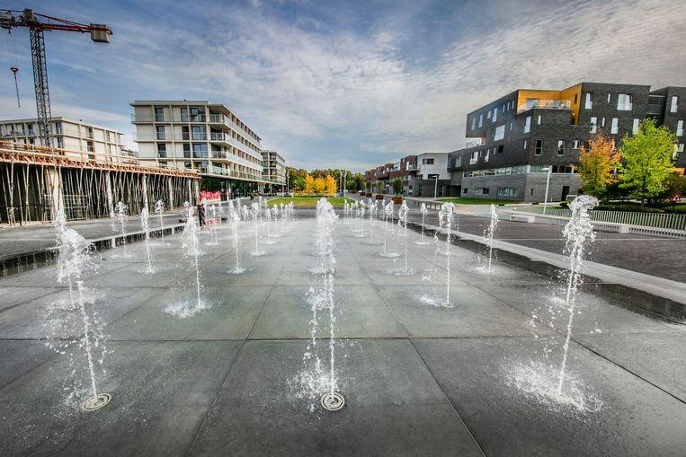 Het nieuwe stadsdeel Zuidboulevard is voor velen een saaie, betonnen vlakte en dus een gemiste kans.