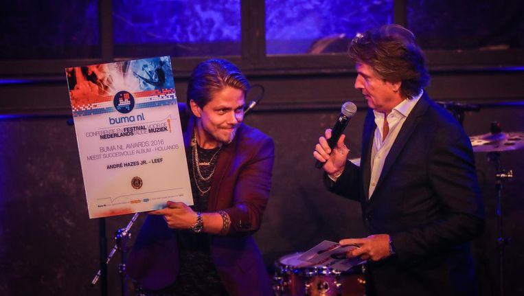 André Hazes Jr. krijgt de prijs voor Meest Succesvolle Album bij de Buma NL Awards. Beeld anp