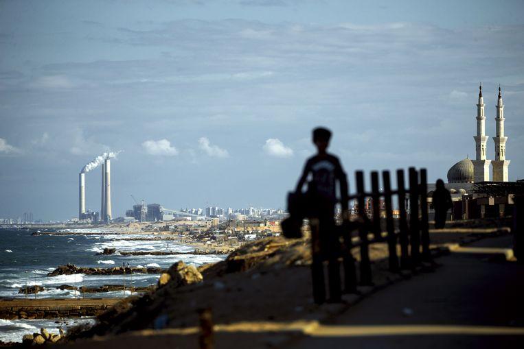 Onder meer in de kuststad Asjkelon luidden er sirenes na de raketaanval.