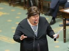 """L'opposition dénonce les """"réponses vagues"""" de Maggie De Block sur le Lucentis"""
