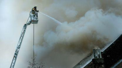 Brand veroorzaakt grote rookpluim in Schaarbeek naast Brussel-Noord
