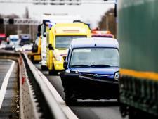 File op Haringvlietbrug door ongeluk, bijna 40 minuten vertraging