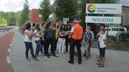Leerlingen krijgen verkeersles op straat