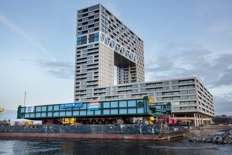 Transport van de Gevlebrug. Beeld Damen Shiprepair Amsterdam.