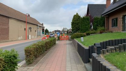Werken aan de nutsvoorzieningen ter hoogte van de Spaanse Lindebaan en de Paalveldstraat