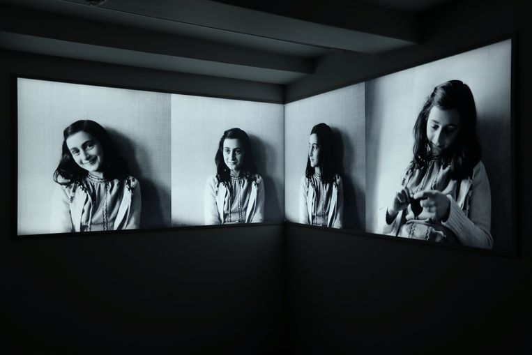 Foto's van Anne Frank in het Anne Frank Huis in Amsterdam.
