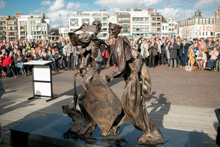 Het bronzen beeld van Frans Heirbaut op de Grote Markt.